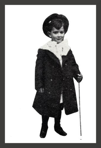 Salvador_Dali_-_At_Age_6_1910_fr